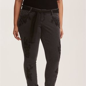 Torrid Black Wash Floral Embroidery Boyfriend Jean